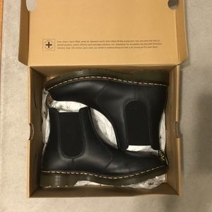 ❌SOLD❌ DR. MARTENS 2976 CHELSEA BOOTS
